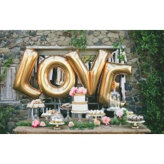 Giant LOVE balloons